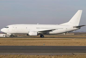 B737-400F